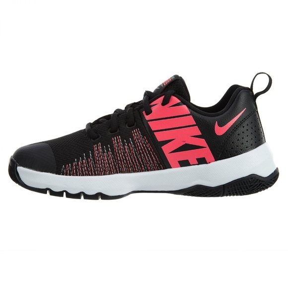 chaussure nike team hustle quick